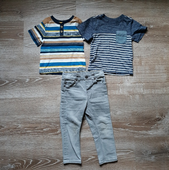 OshKosh B'gosh Other - Set of two Tee Shirts and Jeans